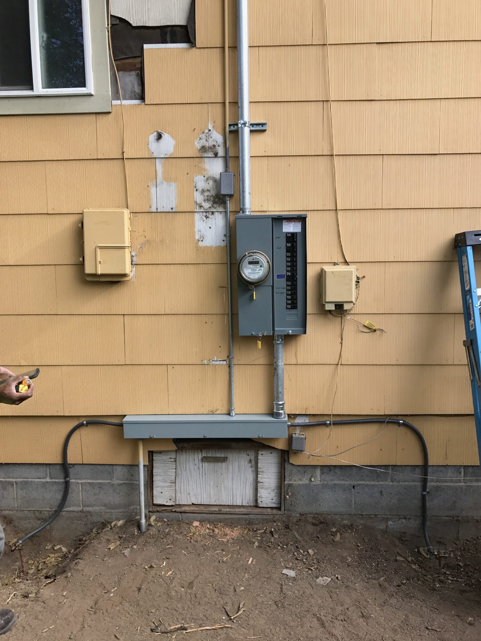 Panel replacements upgrades enhanced electrical services inc safety and efficiency are two big reasons our customers request an electrical panel upgrade an air conditioner today uses more power than an entire home solutioingenieria Image collections